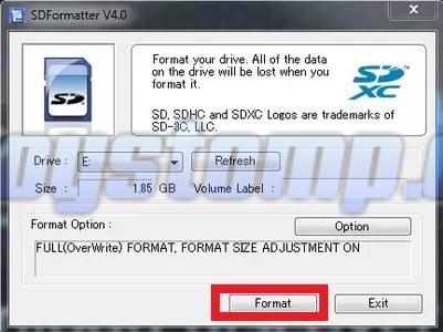 Lalu-klik-tombol-Format-yang-ada-pada-aplikasi-tersebut-dan-proses-pembersihan-SD-Card-berlangsung