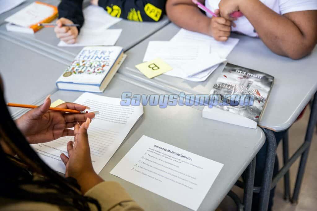 Contoh-Soal-UAS-Matematika-kelas-8-dan-Pembahasan