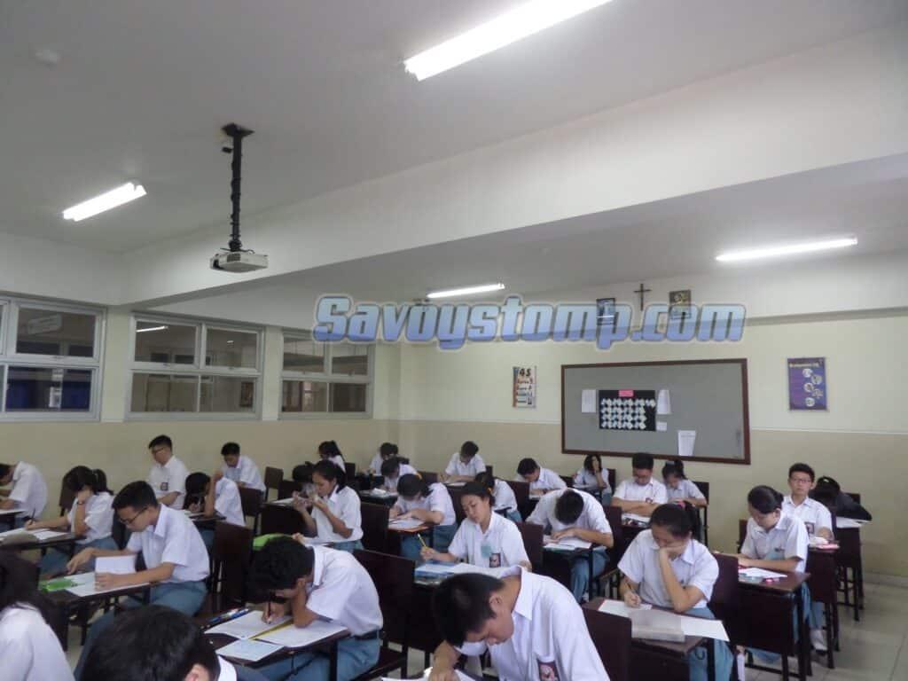 Contoh-Soal-UN-Bahasa-Indonesia-SMA-beserta-Pembahasan