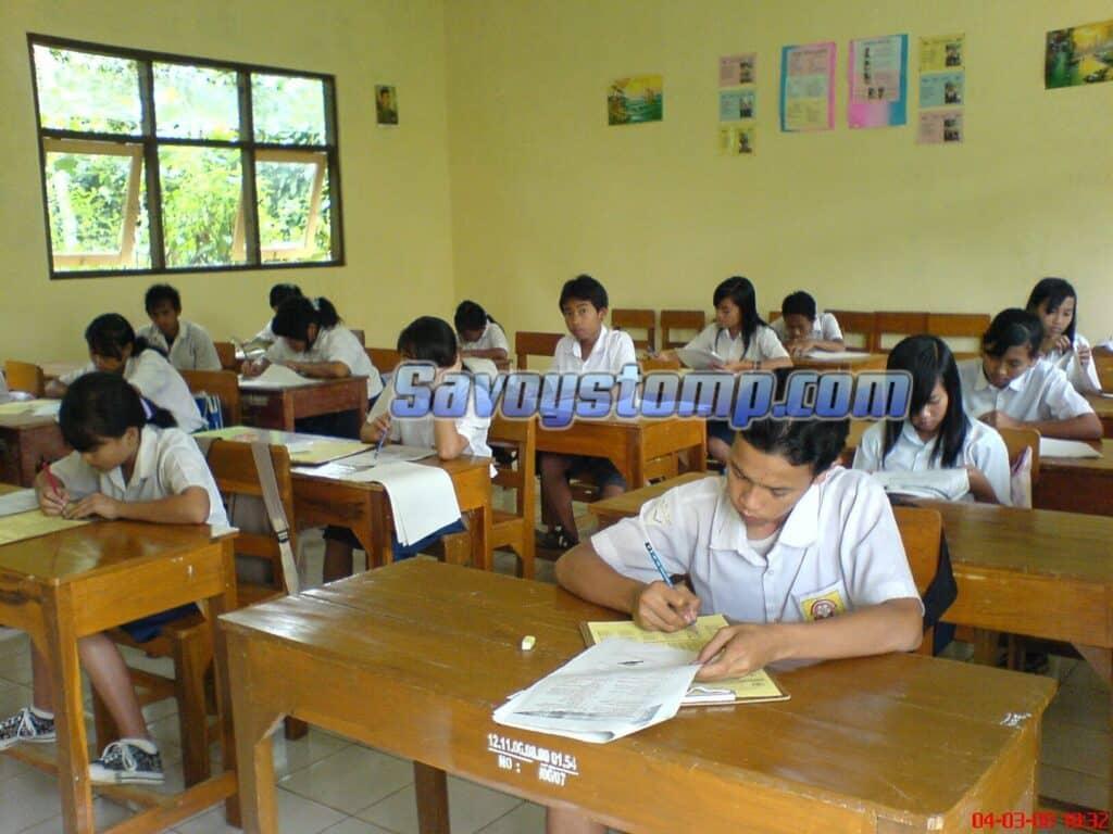 Contoh-Soal-UN-Bahasa-Indonesia-SMP-dan-Pembahasan