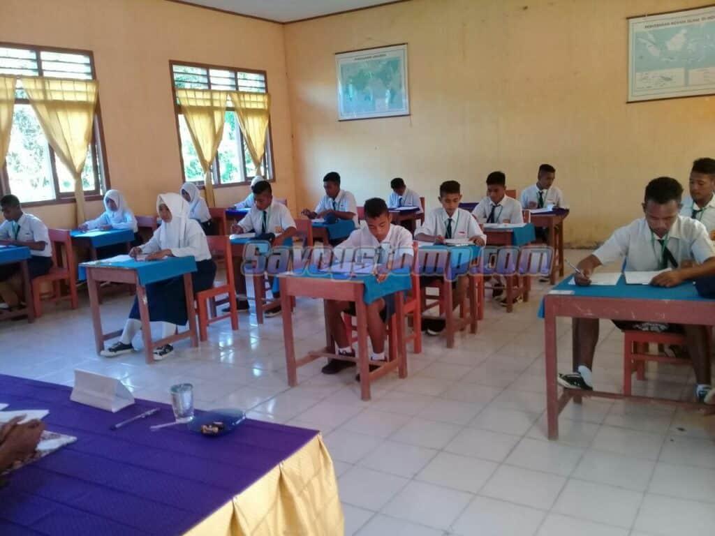 Contoh-Soal-UTS-Bahasa-Indonesia-Kelas-8-dan-Pembahasan