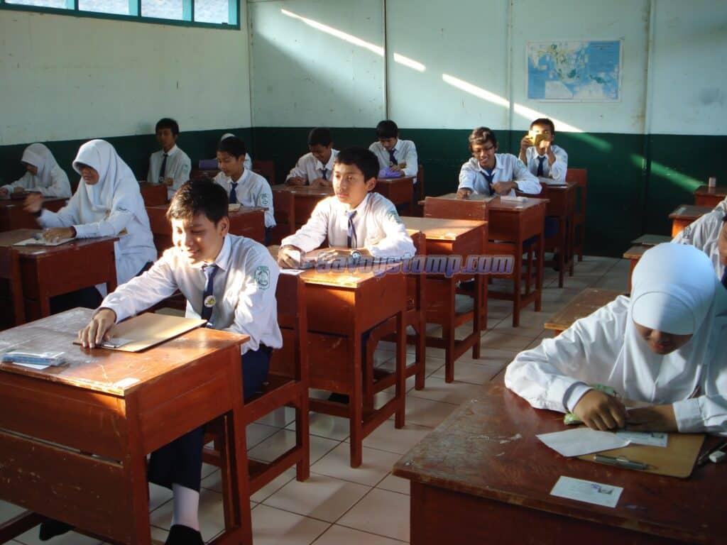 Contoh-Soal-UTS-Bahasa-Indonesia-Kelas-9-dan-Pembahasan